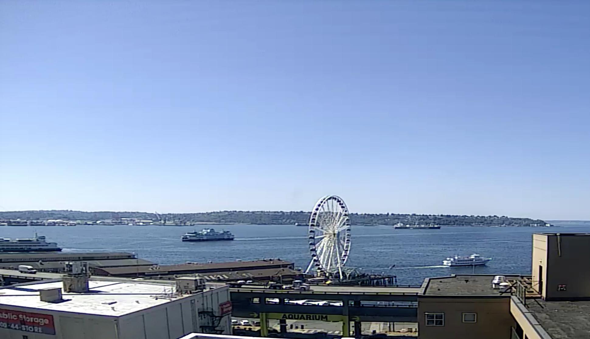 Seattle Waterfront Webcam SWW Happy Ships in the Bay 08 16 2018